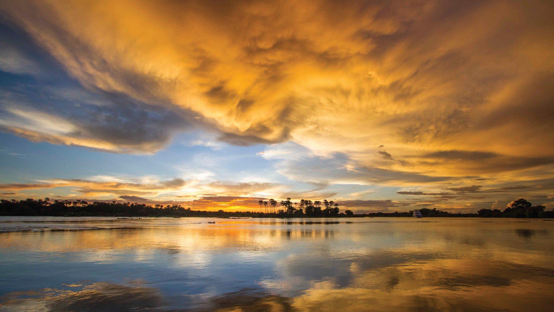 Victoria-Falls-Hotel-Sunset
