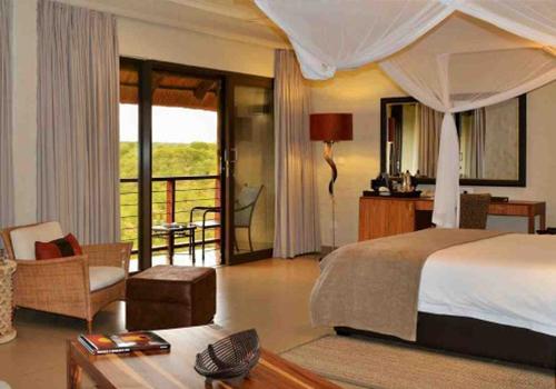 Victoria Falls Safari Club Suite