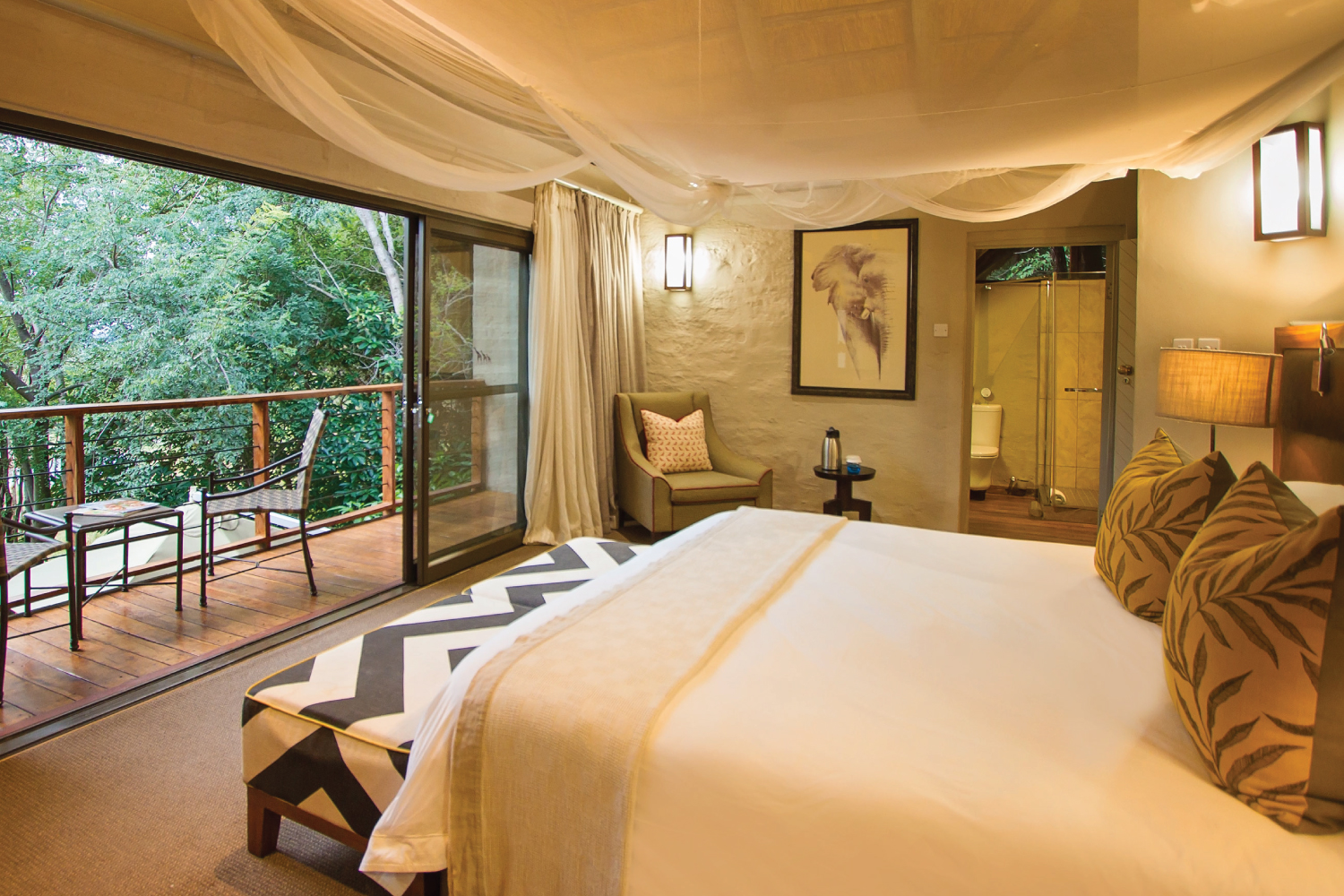 Victoria Falls Safari Suites room