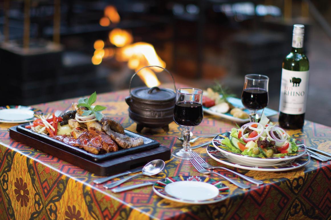 The Boma - Dinner & Drum Show dinner set up